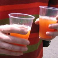 La prohibición de venta de alcohol a los menores no funciona