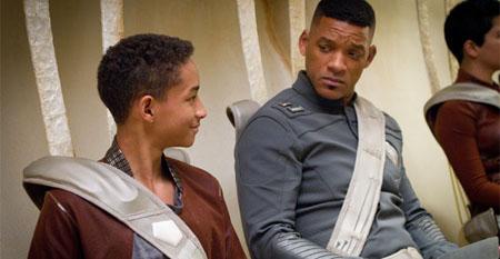 'Gravity' triunfa en los Oscar, Will y Jaden Smith en los anti-Oscar