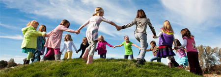 Organizaciones de protección a la infancia reclaman unificar las políticas sociales de la UE
