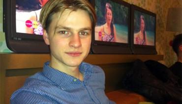 Joven británico de 19 años es el primer adicto a los 'selfies'