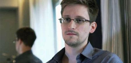Snowden estrena cuenta en Twitter, ¿adivinas a quién sigue?
