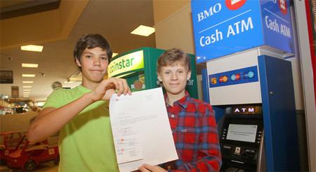 2 estudiantes hackean un cajero automático gracias a un manual encontrado en Internet