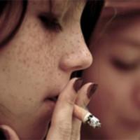 Los adolescentes fuman y beben menos