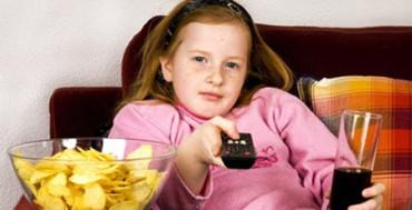 Ver la televisión más de 3 horas diarias es malo para la salud