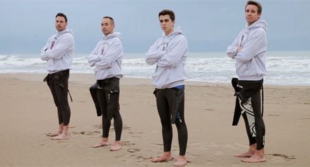 Cinco jóvenes nadan desde Menorca a Barcelona para recaudar dinero contra el cáncer