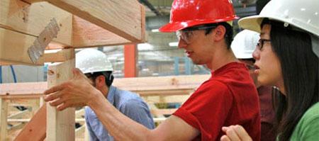 La tasa de paro entre los jóvenes que realizan actividades de voluntariado es muy inferior al resto