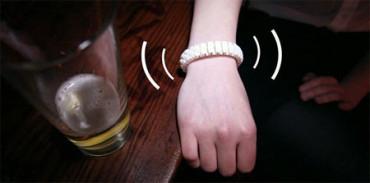 Nuevo wearable alerta a tus amigos cuando te pasas con el alcohol