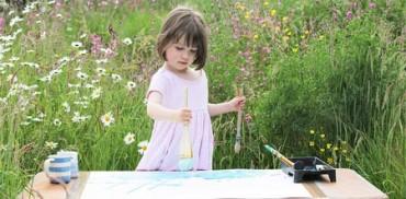 Niña autista de 5 años vende cuadros en Internet por miles de euros