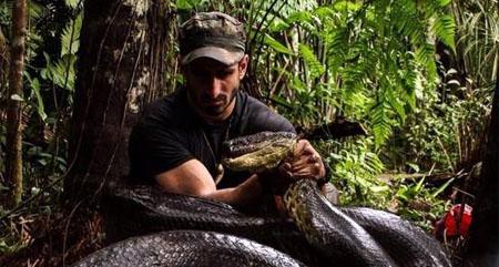 Un aventurero se dejará engullir por una anaconda para un documental