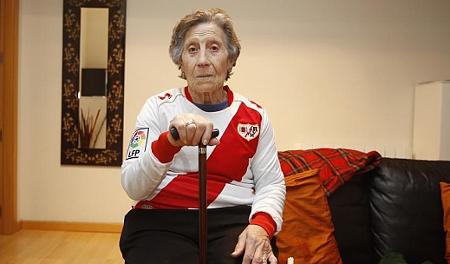 El Rayo Vallecano ayudará a una anciana desahuciada