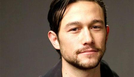 Joseph Gordon-Levitt será Edward Snowden en el filme de Oliver Stone