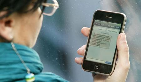 Aumenta el uso del móvil y baja el de las redes sociales