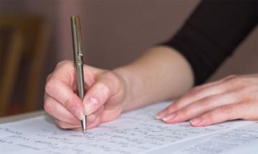 Las escuelas finlandesas abandonan la caligrafía y se pasan al ordenador