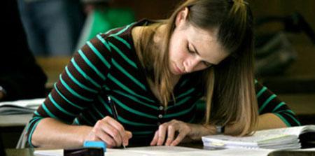 Más tiempo de escolarización aumenta la renta per cápita y disminuye el paro