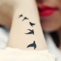 Un estudiante crea una crema para eliminar tatuajes