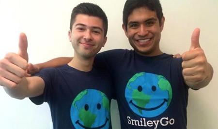 Dos jóvenes crean 'SmileyGo', una plataforma online de ayuda global