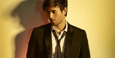 Enrique Iglesias ofrece una cuantiosa beca para formarse como cantante