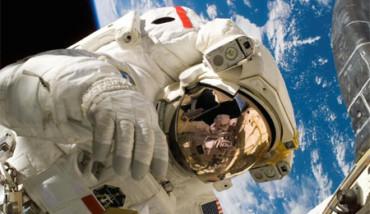 Una cámara GoPro te muestra cómo es un paseo espacial