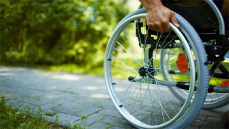 La esclerosis múltiple, primera causa de discapacidad por enfermedad entre los jóvenes
