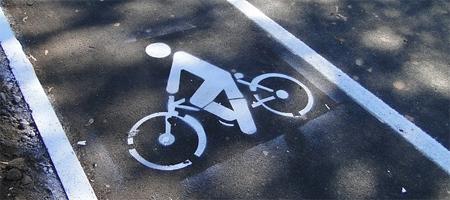 La DGT obligará a los ciclistas a circular por el carril bici