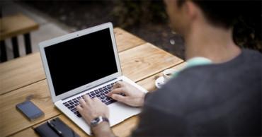 Los jóvenes italianos y españoles, a la cola en conocimientos informáticos en el trabajo