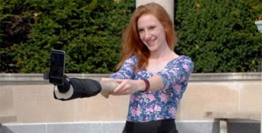 Lo último en selfies: llega el brazo-selfie