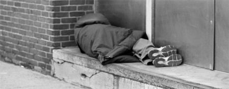 El 38% de los agresores de personas sin techo son jóvenes volviendo de fiesta