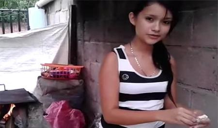 Una joven hondureña enseña en vídeo a vivir con pocos medios