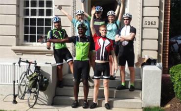 Siete estudiantes cruzan EE.UU. en bicicleta para despertar el interés por la ciencia
