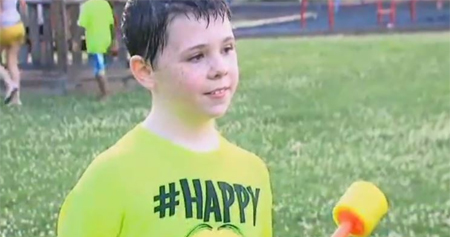 Temía que nadie asistiera al cumpleaños de su hijo pero Internet lo remedió