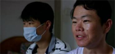 Cede a su hermano menor el riñón que podría salvarle