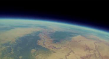Jóvenes recuperan su cámara 2 años después de mandarla al espacio