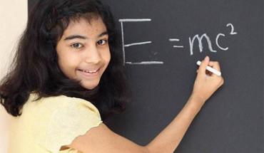 Esta niña supera el cociente intelectual de Einstein y Stephen Hawking