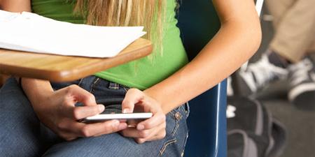 Reino Unido no quiere smartphones en las aulas