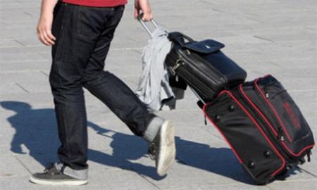 Varón, entre 25 y 34 años, el perfil del emigrante español