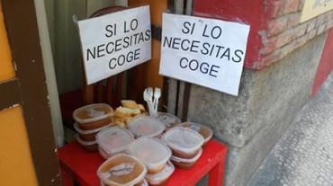 Restaurante ofrece comida a los vecinos que la necesiten