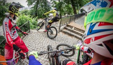 Impresionantes imágenes en la primera prueba del City Downhill World Tour