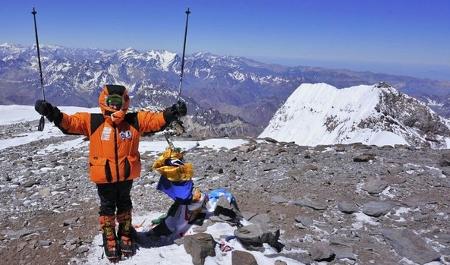 Esta niña ha hecho cumbre en el Aconcagua con sólo 12 años