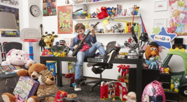 Niño de 12 años será director ejecutivo de diversión en Toys 'R' Us de Canadá