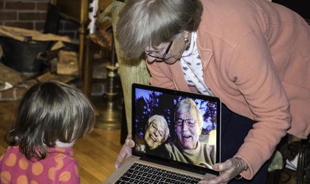 Por esto a los abuelos les cuesta aprender tecnología