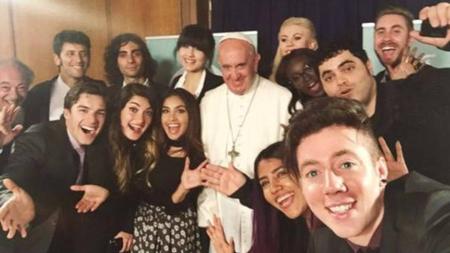 El Papa se reúne con los jóvenes youtubers más importantes del mundo