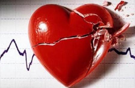 Estudiantes crean un reloj que detecta casos de infarto