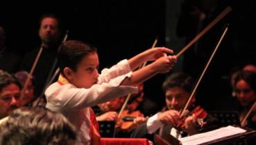 Dirige una gran orquesta con sólo 9 años