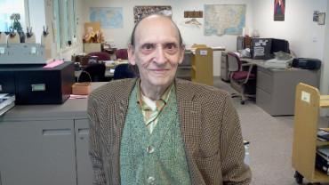 Un bibliotecario dona 4 millones de dólares a la escuela en la que trabajó 50 años