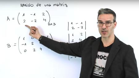 Un profesor español, candidato al Nobel de los maestros