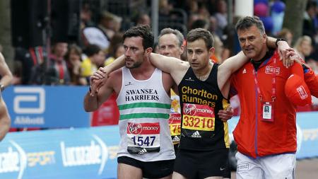 Un nuevo ejemplo de deportividad en la maratón de Londres