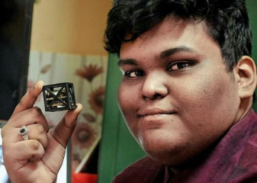 Un adolescente construye el satélite más pequeño del mundo