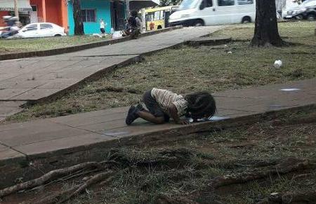 La foto de la niña mbyá guaraní que ha conmovido a todo el mundo