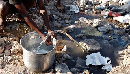 Niño enfermo dona el dinero recibido por una fundación para ayudar a Haití