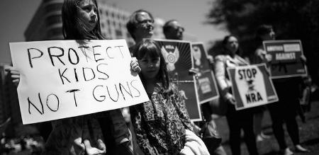 Los jóvenes estadounidenses reclaman un mayor control sobre las armas